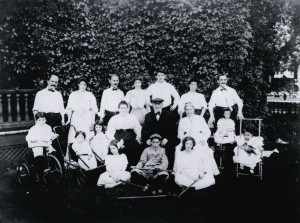 The David Cohen Family in 1906. Photo courtesy of the Andron family.