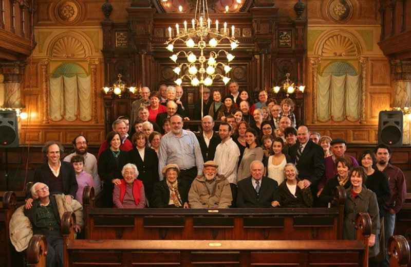 Hold a family reunion at the Museum at Eldridge Street / Eldridge Street Synagogue. Space Rental NYC.