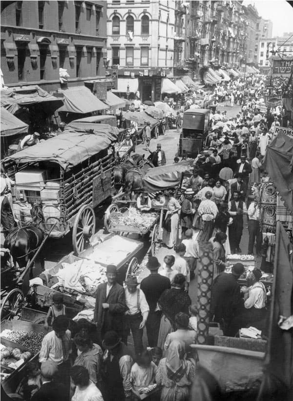 crowded hester street 1903